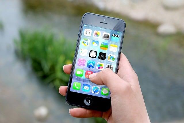 Bon plan pour Noël : promos sur les forfaits mobile/internet